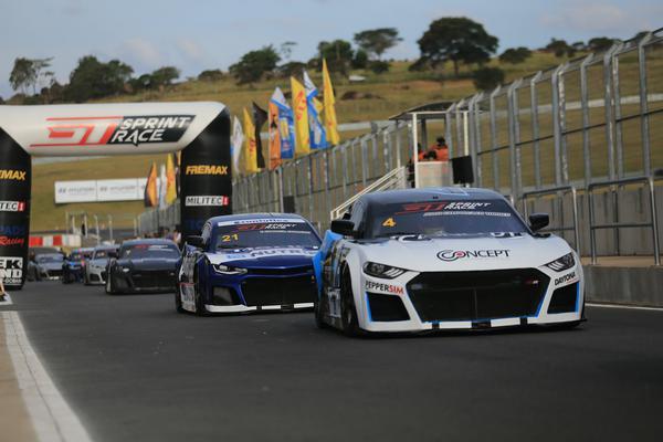 O calendário da GTSR 2021 é composto de nove etapas e 21 corridas (Foto: Luciano Santos / SiGCom)