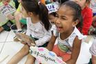 A alegria é evidente entre as crianças durante a ação socioeducativa ()