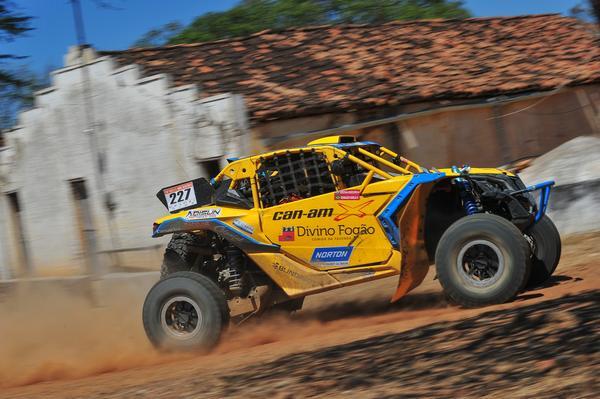 Reinaldo Varela venceu a nona etapa do Brasileiro de Rally Baja