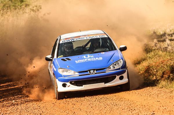 Victor Corrêa a Maicol Souza venceram o Rally de Estação