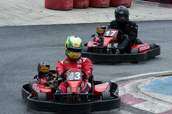 Alberto Otazú lidera as duas categorias do campeonato F-Kart