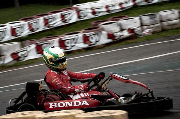 Alberto Otazú no Kartódromo Granja Viana
