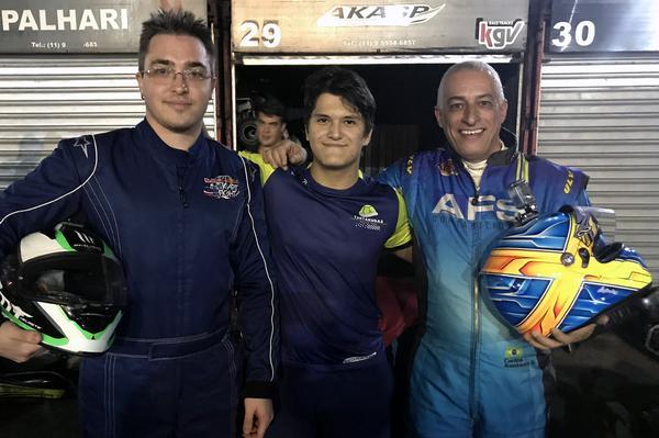 Bruno Biondo (E), Alberto Otazú (C) e Carlos Santana, os três primeiros de 2019