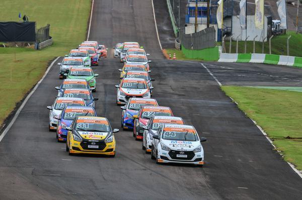 27 carros terá a Copa HB20 no Velopark