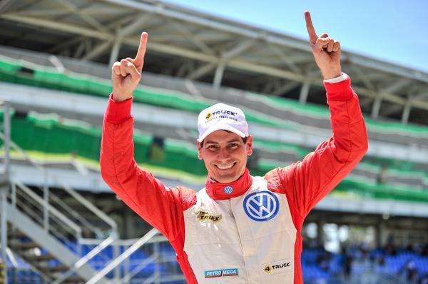 Beto Monteiro comemora sua quinta pole na temporada