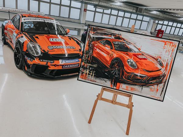 Porsche LEGO ® Technic #29 ao lado da obra de Alcici