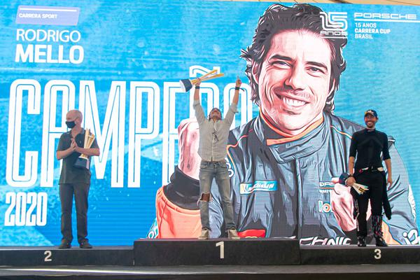 Mello: segundo título consecutivo na Porsche Cup