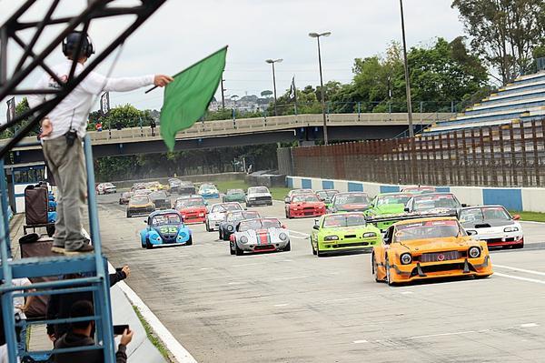 A Gold Classic apresenta hoje o grid mais numeroso do automobilismo brasileiro