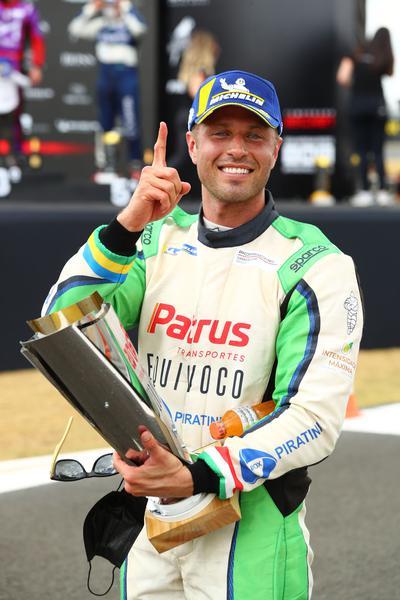 Marçal Muller vence na Carrera Cup