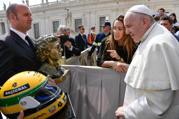 Pope Francis receives Ayrton Senna sculpture and helmet