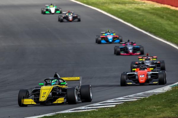 Piloto somou pontos nas duas corridas