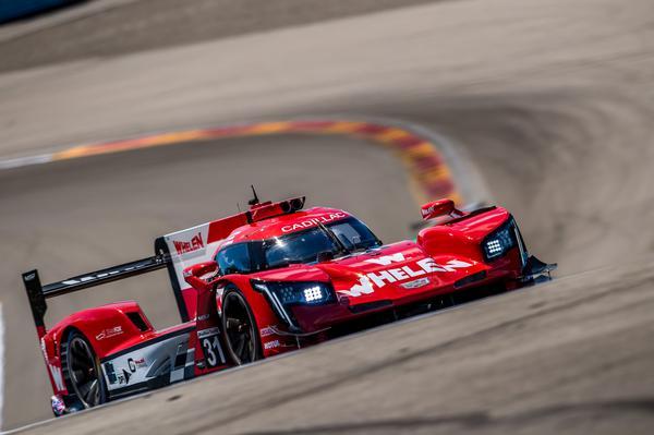 Com pneu furado logo no início, pilotos tiveram de minimizar problemas