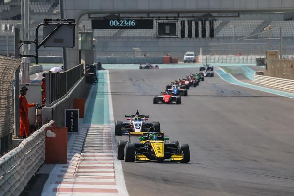 Collet vem a SP e estará com a equipe Renault no GP Brasil de F-1