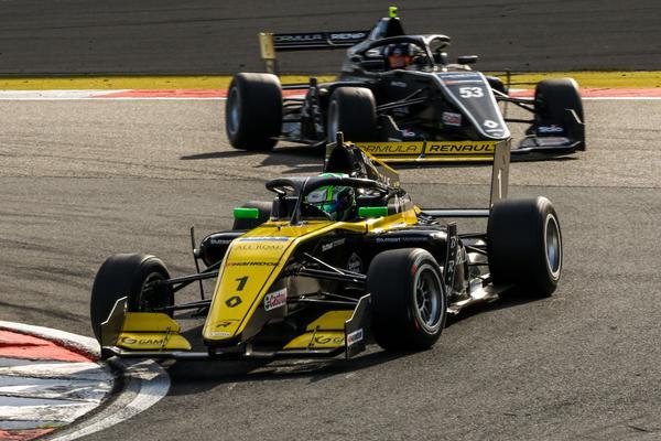 Caio Collet é o quarto neste domingo em Nurburgring
