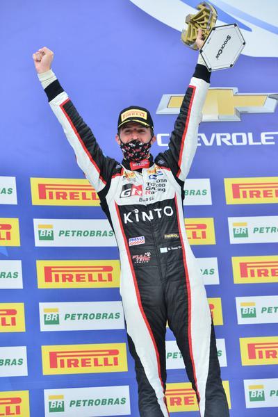 Matías Rossi conquista seu primeiro pódio na Stock Car