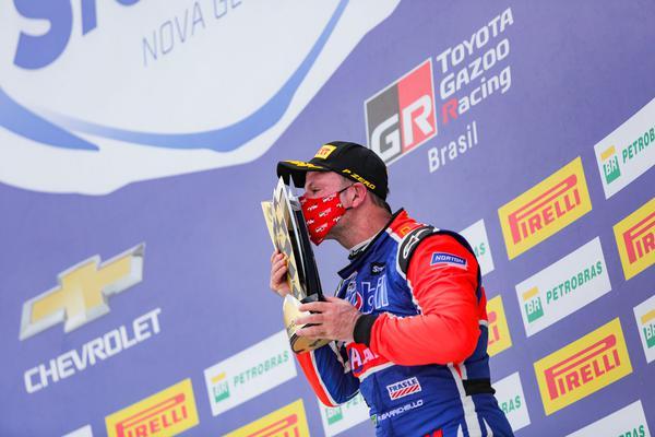 Rubens Barrichello no pódio em Goiânia