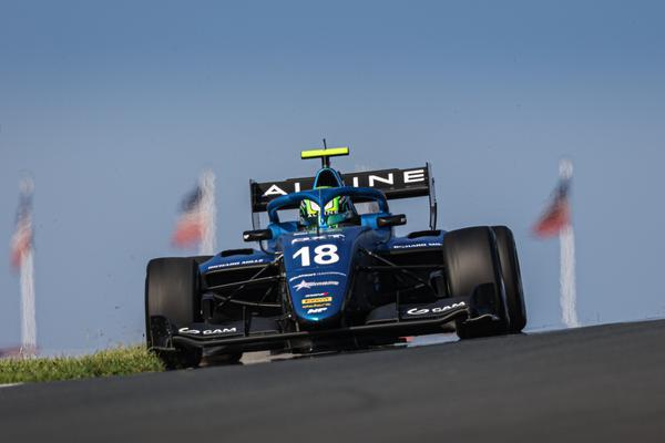 Caio Collet disputa última etapa da FIA F-3