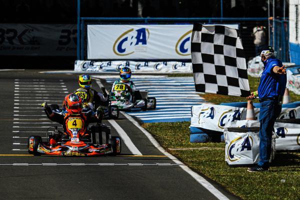 Olin Galli é o campeão da Graduados A da Copa Brasil de Kart de 2021