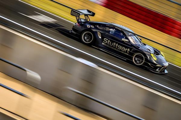 Porsche 911 GT3 R de Marcel Visconde/Ricardo Mauricio