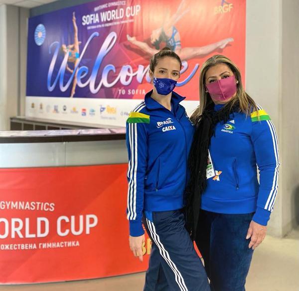 Natália Gaudio e  Mônika Queiroz ( da esquerda para direita)