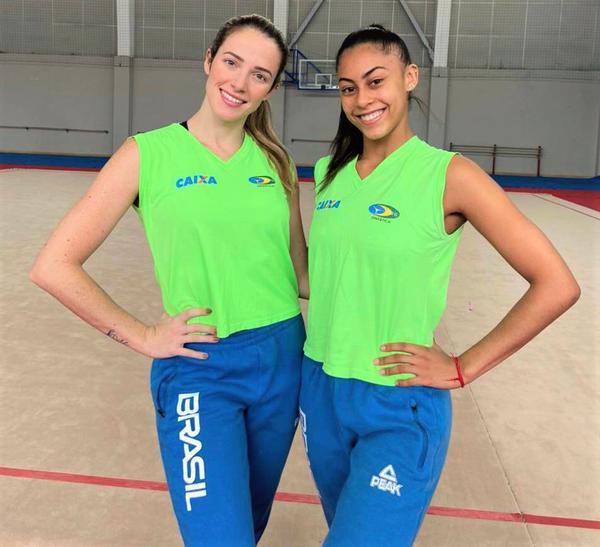 Natália Gaudio e Bárbara Domingos ( da esquerda para direita)