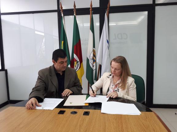 Assinatura da parceria