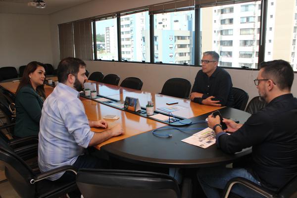 Reunião apontou a necessidade de aproximar as entidades