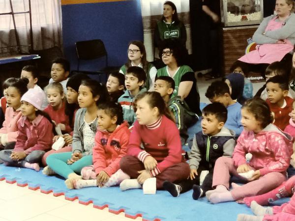 Crianças atendidas no projeto