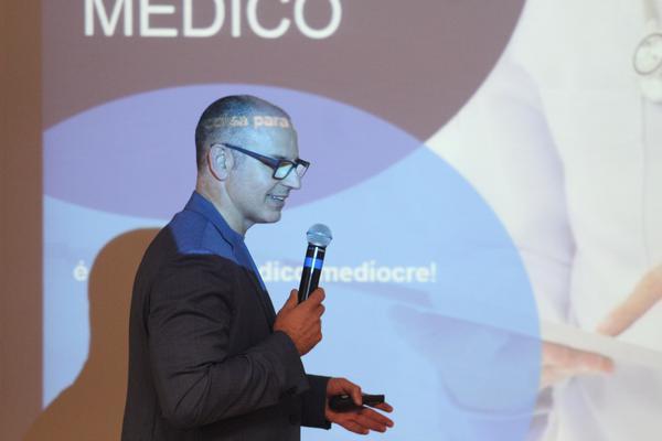O médico e as mídias digitais, por Carlos Eurico