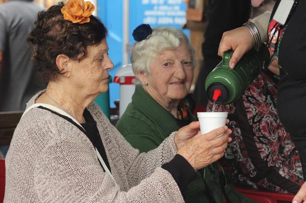 Hidratação em idosos merece atenção especial