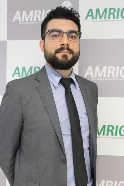 Diretor cietnítico e cultura da AMRIGS, Marcos Vinícius Ambrosini Mendonça
