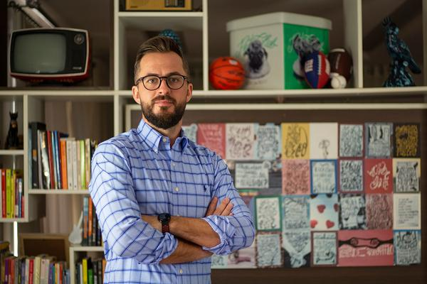 Marcus Tonin: especialista em Gestão de  Marcas e em Marketing