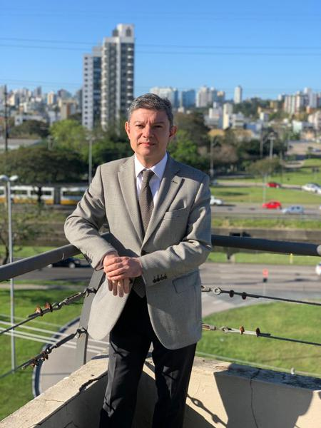 Dr. Gerson Junqueira Jr.