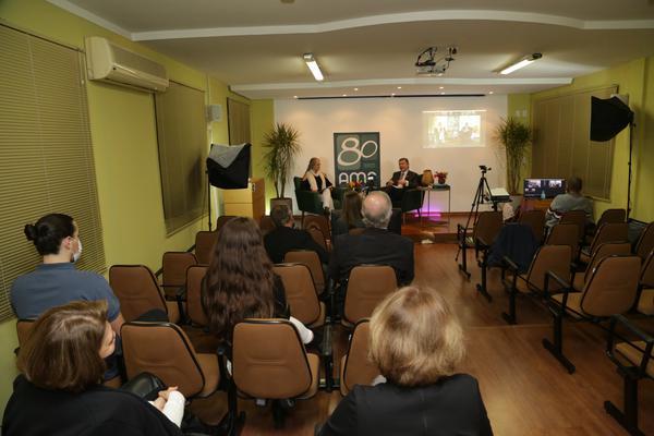 Coquetel na Associação Médica de Pelotas (Lidiane Gomez)