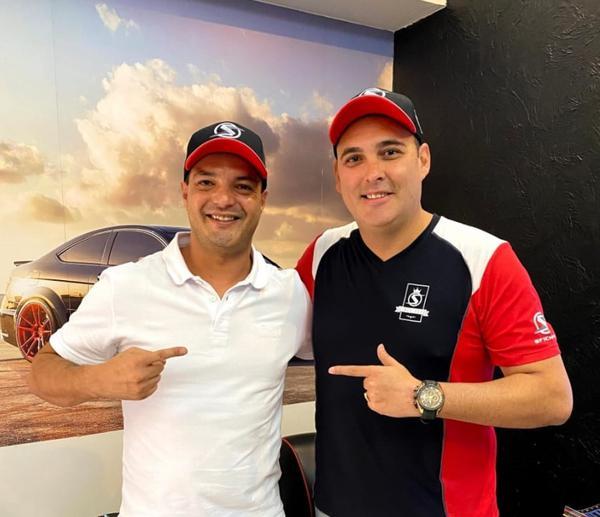 Paulo Salustiano e Marcio Medina (diretor da SFI CHIPS) (Divulgação)