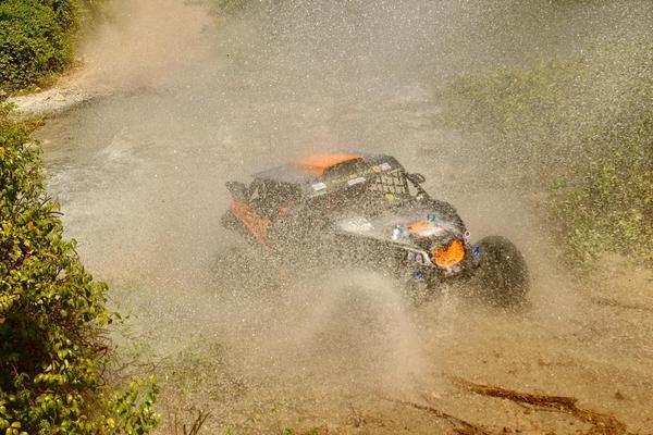 No domingo, última etapa, Luppi/Justo fecharam em 8o na geral dos UTVs (Sanderson Pereira/Photo-S)