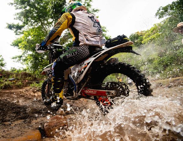 André Guerra está em seu terceiro Sertões, o segundo nas motos (Victor Eleutério/Fotop)