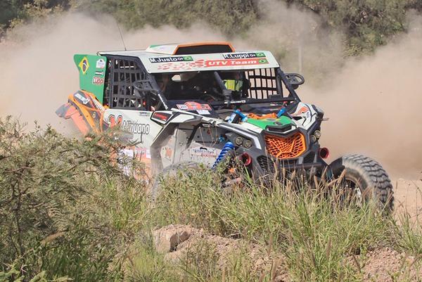Dupla Luppi/Justo: segunda mais rápida da geral, entre UTVs e carros (Emilio Oppezzo)
