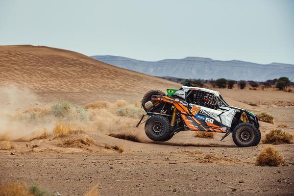 Luppi/Justo estão nos Top5 mais rápidos dos UTVs no Rally do Marrocos (@mchphotocz)