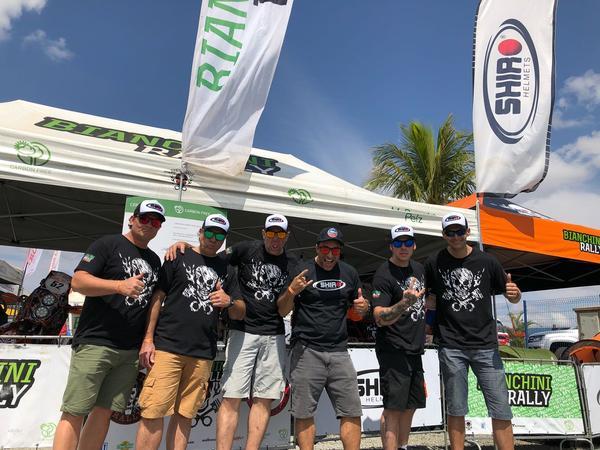 Alguns pilotos apoiados pela SHIRO no Autódromo de Goiânia (Divulgação)