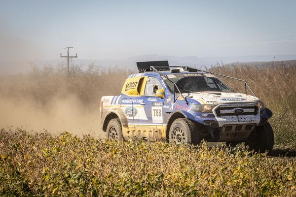 Dupla disputa etapa pela equipe oficial da Ford (Foto: Colin Mileman/Mileman Media)