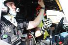 Fernando (à esq) durante treinamentos com a X Rally Ranger que irá pilotar (Foto: Cleber Bernuci/P1 Media Relations)