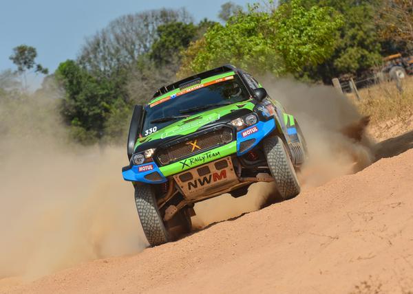 Fernando Rosset e Fabrício Bianchini ocupam o 11º lugar na geral entre os carros (Fotop)