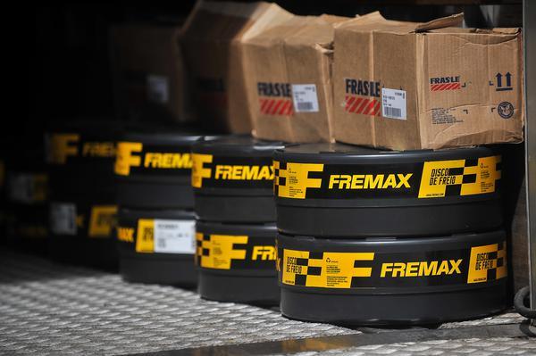 FRAS-LE e FREMAX são as fornecedoras de pastilhas e discos de freio da Stock Car (Duda Bairros/Stock Car)