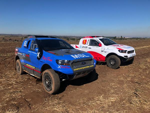 O Ford Ranger V8 4x4 T1 FIA de Gunter Hinkelmann (X Rally Team)