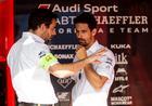 Lucas conversa com engenheiro da equipe Audi no Chile (Audi Motorsport)