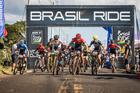 Primeira largada do prólogo, elite masculina (Fabio Piva / Brasil Ride)