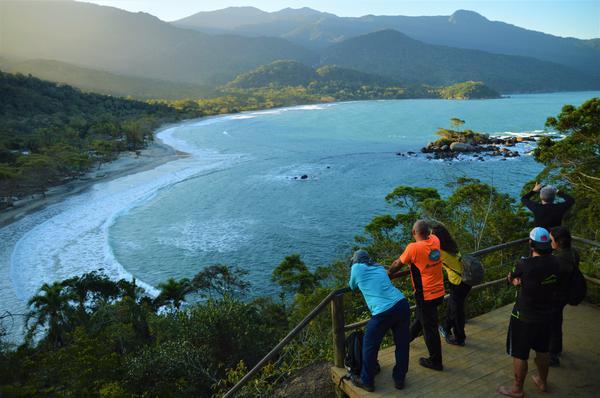 Mirante para a Praia de Castelhanos