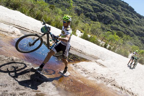 Lukas Kaufmann em vitória no prólogo da Brasil Ride 2015