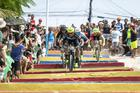 Halysson Ferreira, na escadaria de Arraial d'Ajuda (Marcelo Rypl / Brasil Ride)